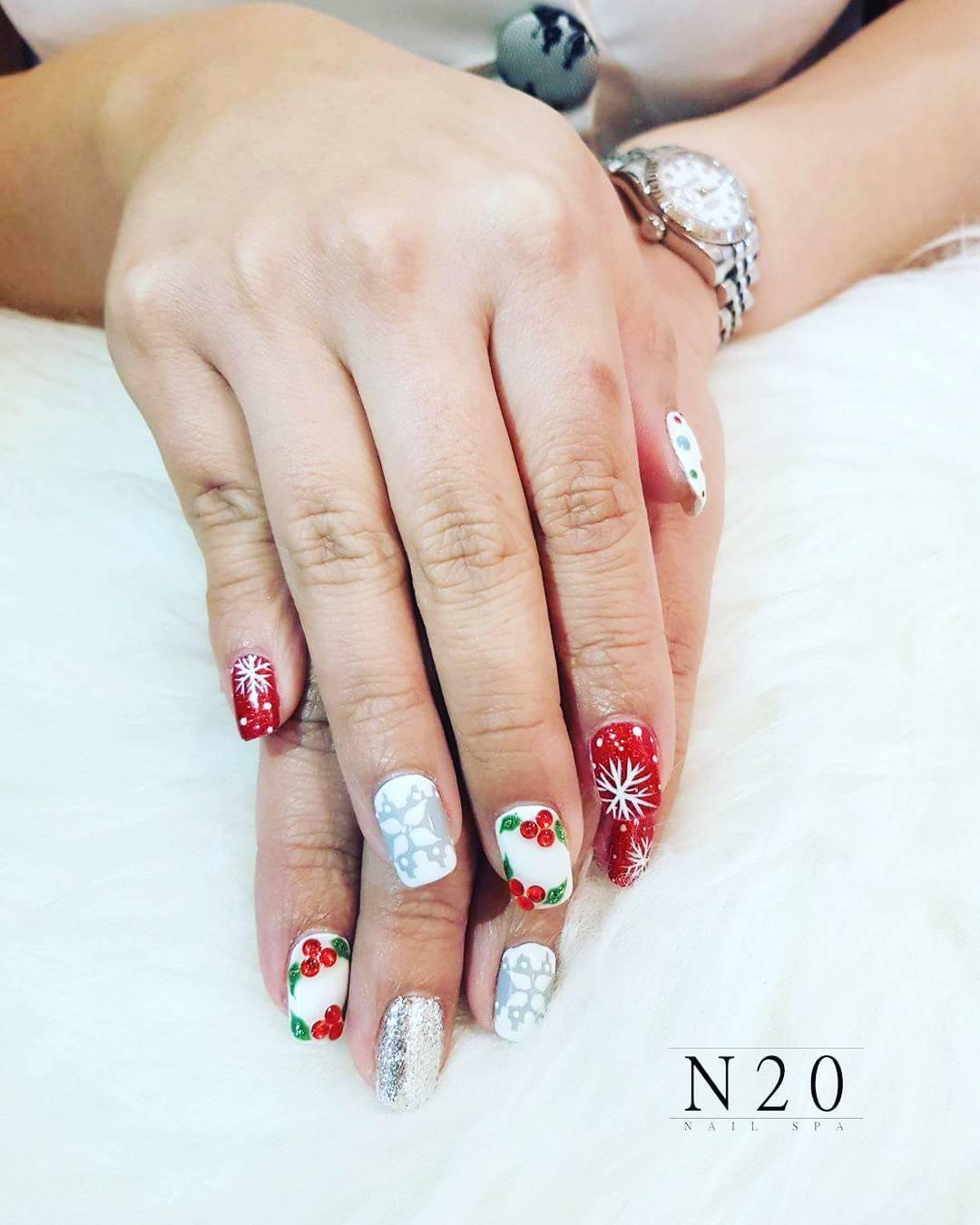 Red White Christmas Manicure Nail Art N20 Nail Spa
