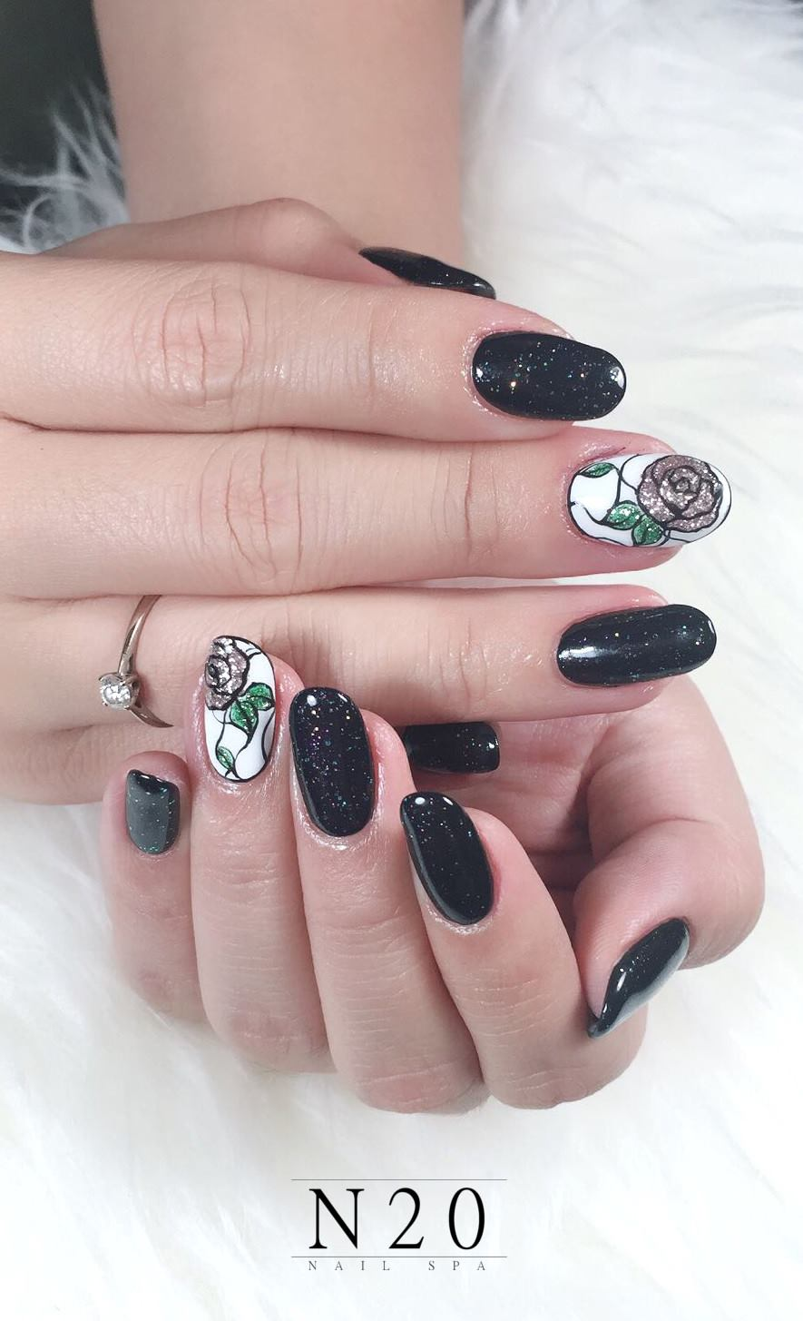Glitter on bold black and flora on white manicure nail art - N20 ...